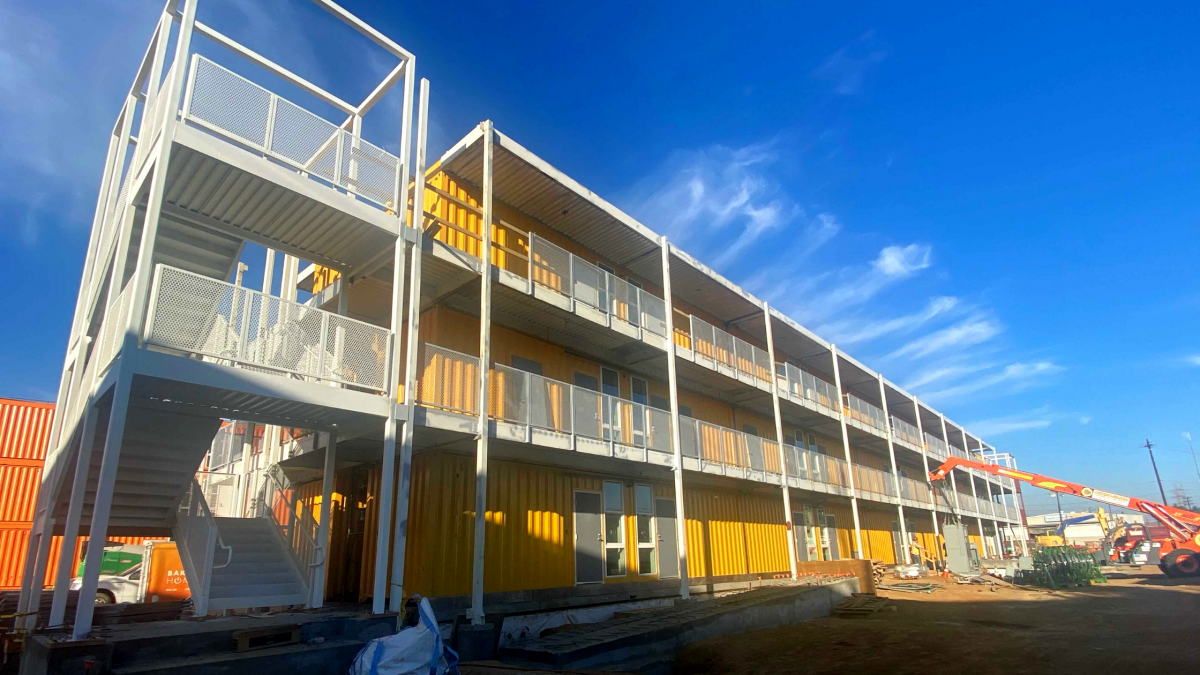 benefits of shipping container building construction